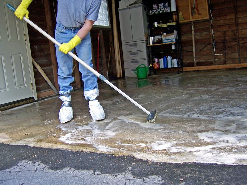 Expert Advice on Cleaning and Organizing Your Garage
